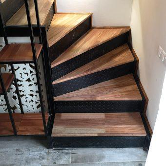 """ტროპიკული ხის """"ღეომბის"""" მასალის გამოყენება კიბის საფეხურებზე, ნიჟარის დასადებზე და თაროებზე"""